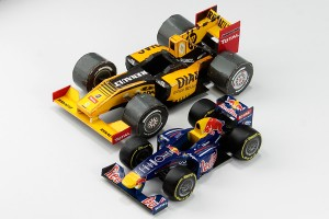 RENAULT R30 papercraft and RedBull RB7 made by iModela