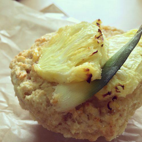 カフェリコ「元町CUP BAKE」のパイナップル豆乳カスタードマフィン